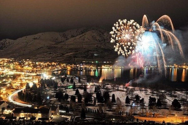Winterfest Fire & Ice (image via Lake Chelan Winterfest Facebook page)
