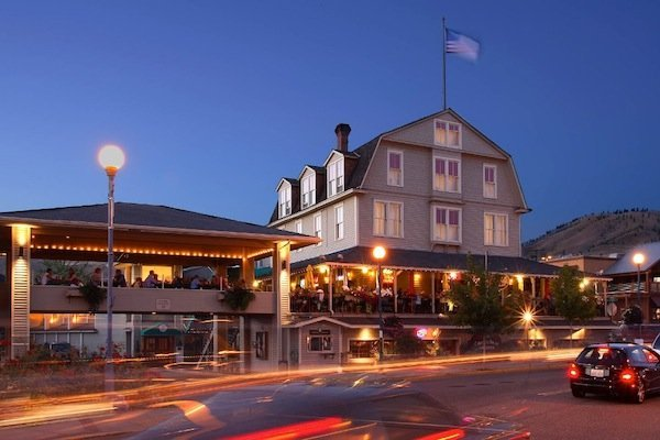 Campbell's Pub & Veranda (image via Campbell's Resort Facebook page)