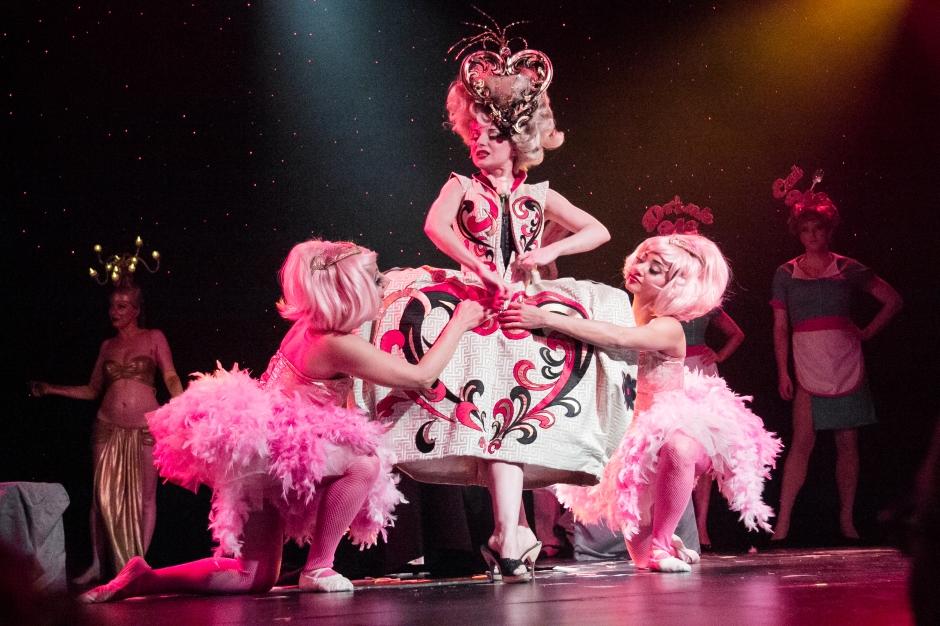 Burlesque Alice-19