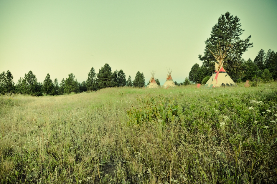 Fully-outfitted tipis overlooking Imposing Canyon, Northeast Oregon: Courtesy Glamping Hub