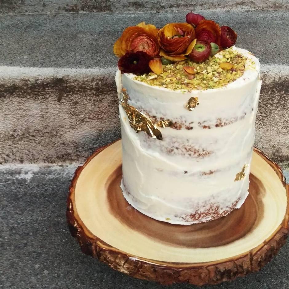 Pistachio cake, lemon curd filling and lemon cream cheese frosting